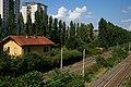 La linea ferroviaria Milano-Mortara vista dal ponte di via Brunelleschi a Milano.jpg