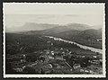 La vallée de la Drôme et les Trois Becs - vue prise des hauts quartiers vers l'année 1905 (34716097135).jpg