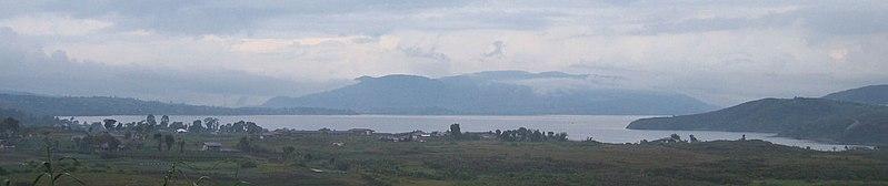 Berkas:Lake Diatas.jpg