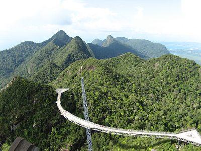 Langkawi cablecar bridge.jpg