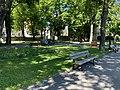 Le jardin de l'Archevéché (Embrun) en mai 2021.jpg