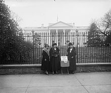 6670b1988c League of Women Voters members in front of the White House