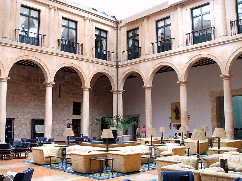 File:Lerma - Palacio Ducal 5.jpg