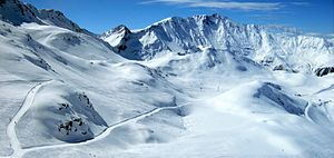 Les Arcs - From the base of the gondola up to the Aiguille Rouge, at 2670 m. To the right is the Aiguille Grive