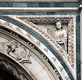 Loggia del bigallo, rilievi del xiv secolo, temperanza.JPG