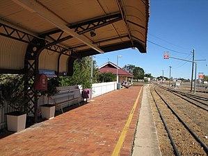 Longreach railway station - Platform, 2013