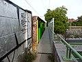 Looppad naast spoorbrug in Brussel 2018.jpg