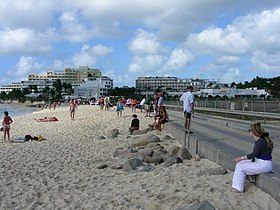 Maho Beach, near Princess Juliana Airport, Caribbean island of Saint Martin-8Feb2008 (4).jpg