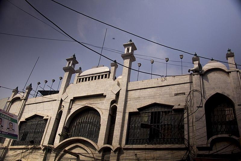 File:Mai Lado Mosque.jpg