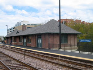 Evanston Main Street station - Image: Main Metra 061015
