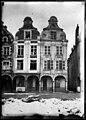 Maison - Façades des maisons de la Grande Place - Arras - Médiathèque de l'architecture et du patrimoine - APDU001345.jpg