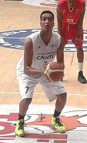 Marcel Jones (basketball) - Jones during his tenure with Pallacanestro Cantù