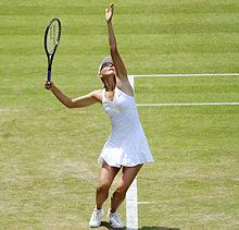 Maria Sharapova at the 2009 Wimbledon Championships 12.jpg