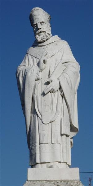 Dume - Statue of S. Martinho de Dume