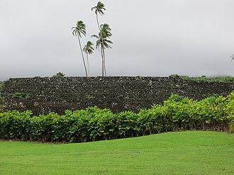 Kahanu Garden - Image: Maui Piilanihale Heiau side