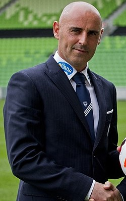 Melbourne Victory Chairman Anthony Di Pietro with Melbourne Victory coach Kevin Muscat (cropped).jpg