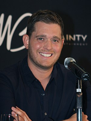 English: Michael Bublé performing in Sydney, A...