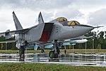 Mikoyan-Gurevich MiG-25PU '53 blue' (38094148876).jpg