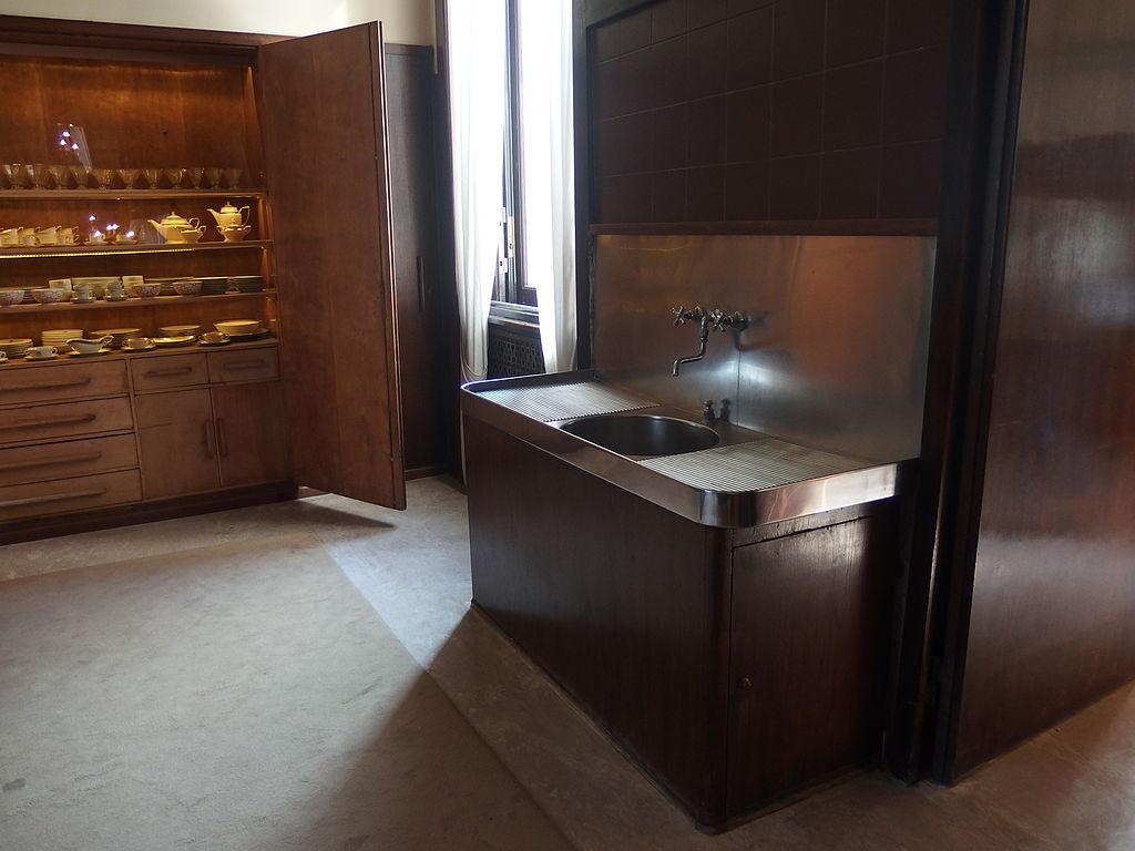 File milano villa necchi campiglio interior 01 jpg for Villa mozart milano