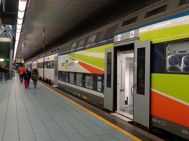 File milano stazione porta venezia treno tsr jpg wikipedia - Treno bergamo milano porta garibaldi ...