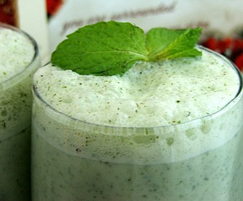English: Mint Lassi