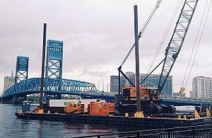 American Crane Corporation - Image: Mobro JX13