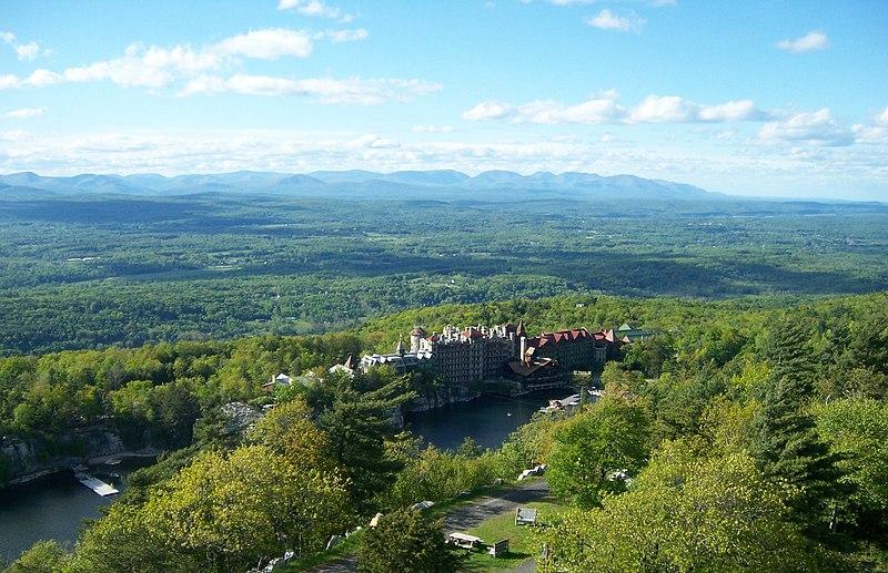 File:Mohonk Mountain Resort, NY - 2.jpg