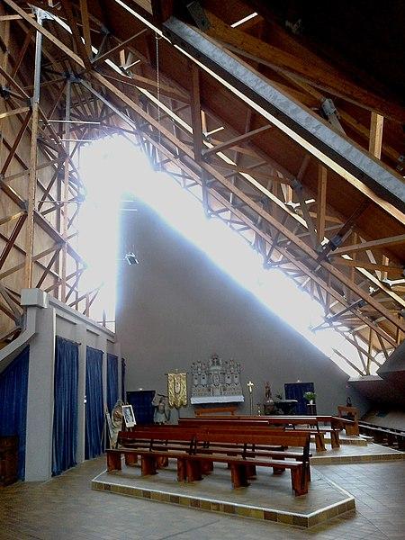 Morbihan Locmine Saint-Sauveur Chapelle Laterale 24102013