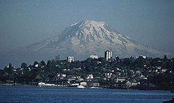 Mount-rainier-over-tacoma.jpg