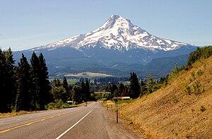 Mount Hood Highway - Mount Hood as seen from the Mount Hood Highway (OR 35)