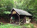 Nienhäger Waldhütte Kaufunger Wald.JPG