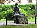 Nikifor - pomnik malarza w Krynicy Zdrój.jpg