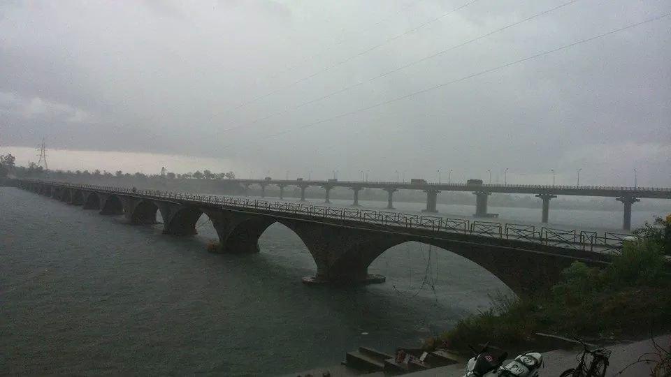 Old Bridge on Wainganga River in Bhandara City- 2014-06-18 13-50.jpeg