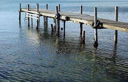 Old wooden jetty at Holländaröd.jpg