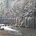 Orgues basaltiques et bras de la rivière de L'Entre-Deux.jpg