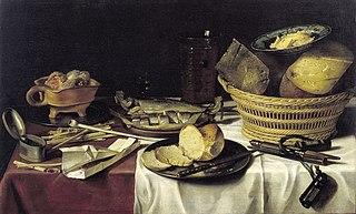Stilleven met haringen, brood, kazen en rookwaar