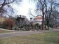 Park Podviní, skalka s vyhlídkou.jpg