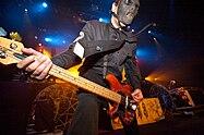 Paul Gray de la Slipknot în 2005.jpg