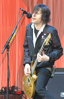Pete Loeffler with guitar at 2007 MyCokeFest in Atlanta2.JPG