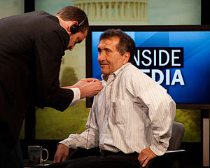 Pete Souza - Souza prepares for an interview in 2009