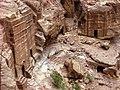 Petra caves - panoramio.jpg
