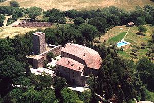 Castello di Petroia - Image: Petroia Aerea