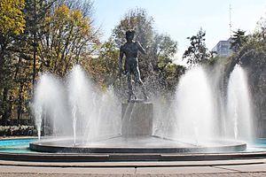 Colonia Roma - Replica of Michelangelo's David in Plaza Río de Janeiro, a symbol of Colonia Roma