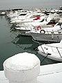 Porto turistico con neve - panoramio.jpg