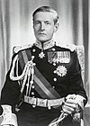 Portrait of Lord de L'Isle in dress uniform, 1962 (cropped).jpg