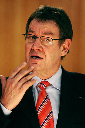 Poul Nyrup Rasmussen - Image: Poul Nyrup Rasmussen, Danmarks tidigare statsminister, numera EU parlamentariker, talar vid Nordiska radets session i Stockholm