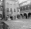 Pozsony 1958, az Óvárosháza udvara. Fortepan 7760.jpg
