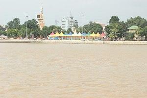 Prakasam Barrage - Image: Prakasam barrage (2)
