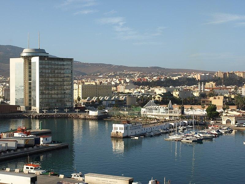 File:Puerto de Melilla.jpg