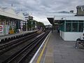 Putney Bridge stn through eastbound platform look westbound2.JPG